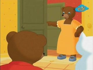 Приключения бурого медвежонка - 34. Бурый медвежонок играет с котенком